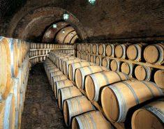 Украинское виноделие выживает за счет «вражеского» российского рынка