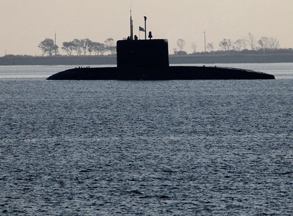 Учения ТОФ по подъему экипажа аварийной подводной лодки в бухте Патрокл во Владивостоке