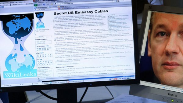 Экс-шпионы прихлопнули конгрессменов США тапком