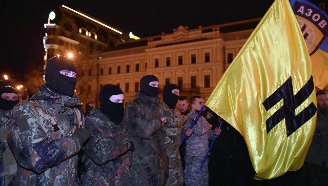 Под знаменем СС: смогут ли радикальные националисты взять власть на Украине