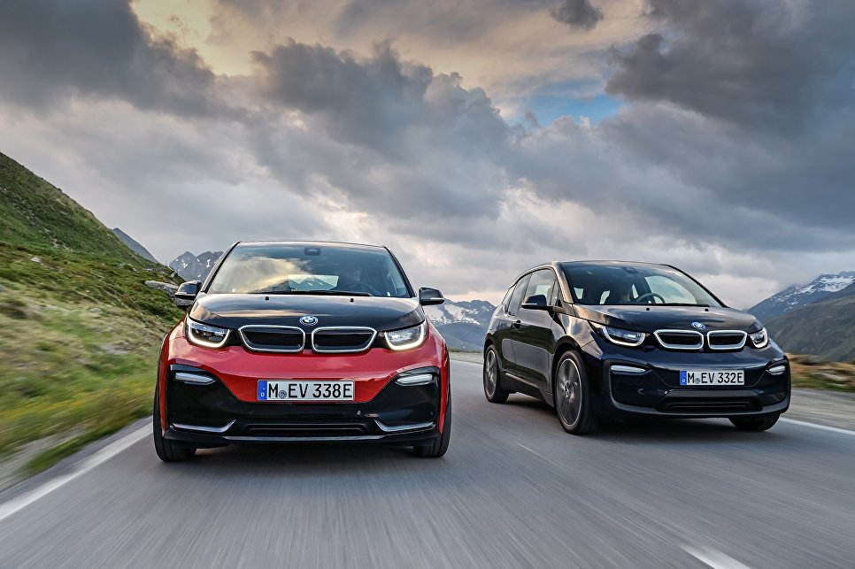 Автомобили BMW i3 и BMW i3s