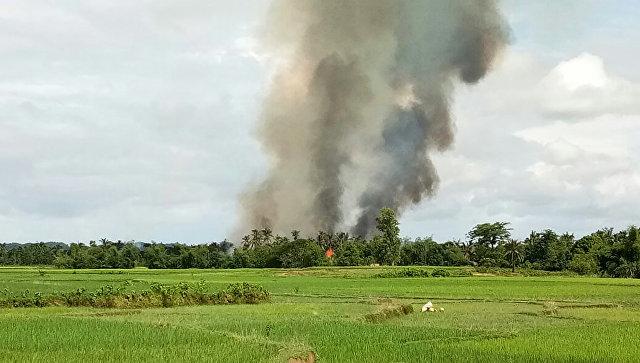 В Мьянме боевики сожгли буддийский монастырь