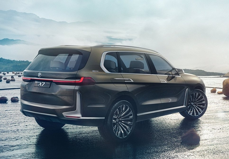 Кроссовер BMW X7 iPerformance concept