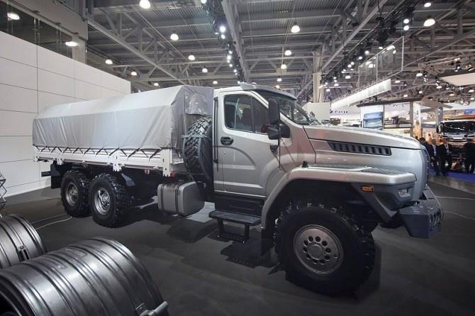 «Группа ГАЗ» разработала автомобиль «Урал Next» с правым рулем