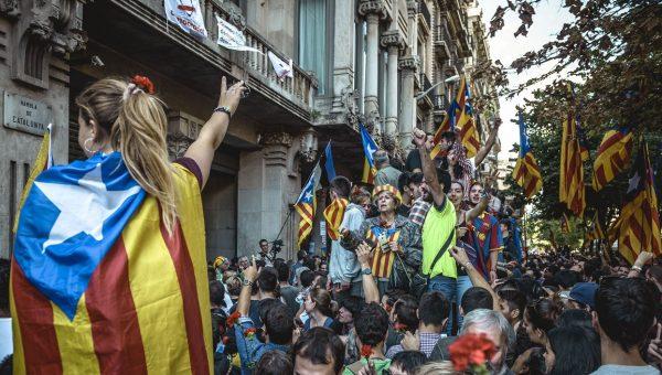 Кризис вокруг Каталонии: однозначно Россия виновата