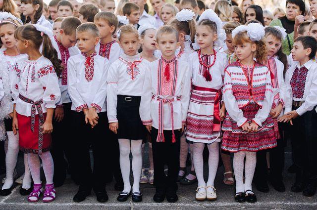 «Ни одной русской школы». Киев объявил тотальную украинизацию