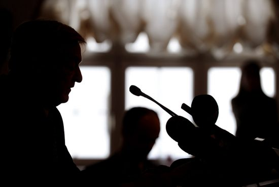 Силуэт американского миллиардера Джорджа Сороса. 2012 год