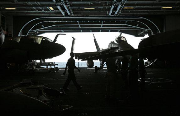 Авианосец США USS George H.W. Bush в Персидском заливе