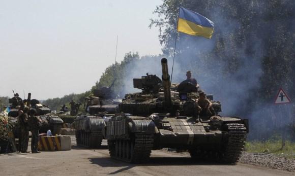 Из Херсона на Донбасс движутся украинские танковые колонны