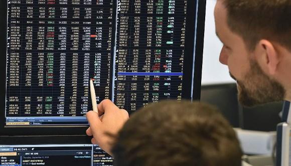 Инвесторы уходят с российского рынка в ожидании расширения санкций