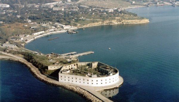 Константиновский равелин — одно из немногих уцелевших сооружений времён Первой обороны Севастополя