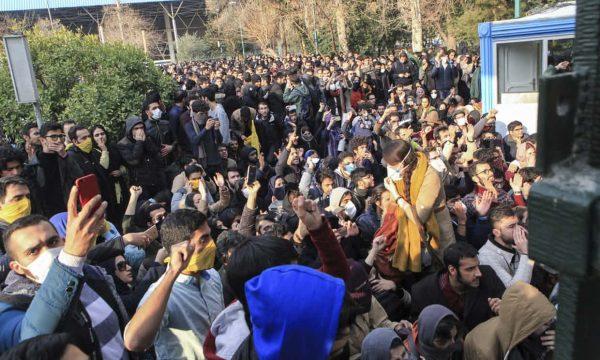 Врагам Ирана лучше не стремиться к смене режима в стране